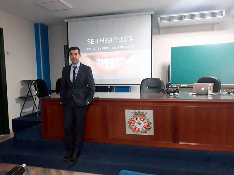 Higienista dental en Sevilla